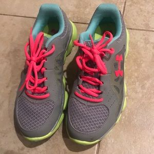 Pre loved like new underarmour athletic women shoe